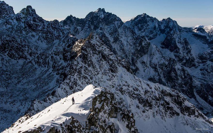 Зимен планинински пейзаж в Словакия.