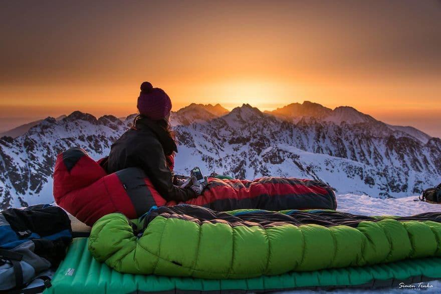 Залез високо в планината през зимата