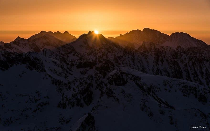 Залез високо в планината в Словакия.